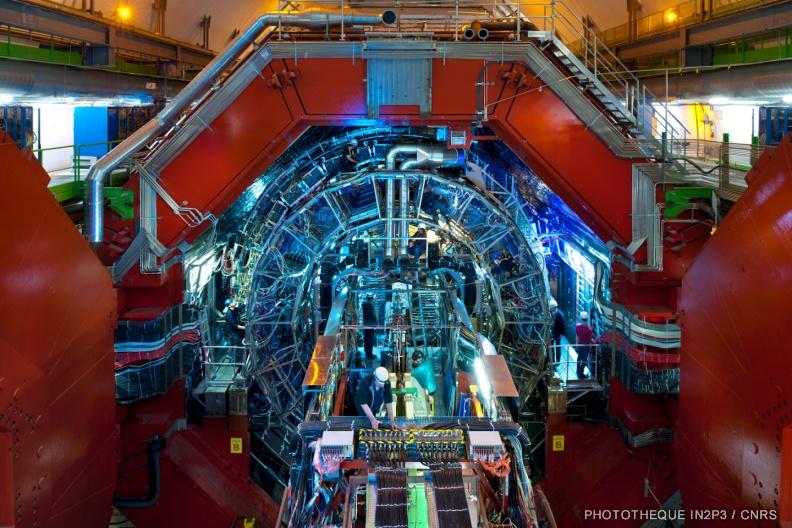 Vue d'ensemble du détecteur ALICE au CERN