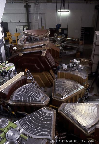 Le cyclotron SARA en construction