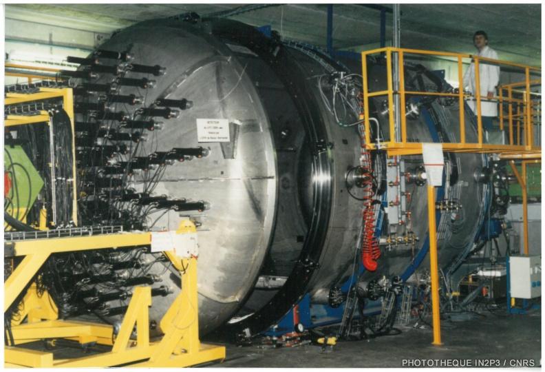 LPC Caen, La reconversion (1970-1980). Grande enceinte à vide NAUTILUS destinée à accueillir de grands ensembles de détection (les multidétecteurs).