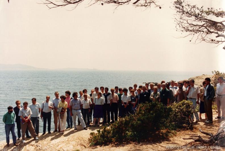 Photo de groupe du premier colloque GANIL en 1984
