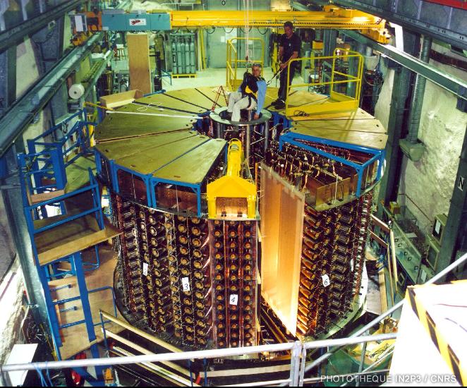 Le détecteur NEMO3 installé au Laboratoire Souterrain de Modane.