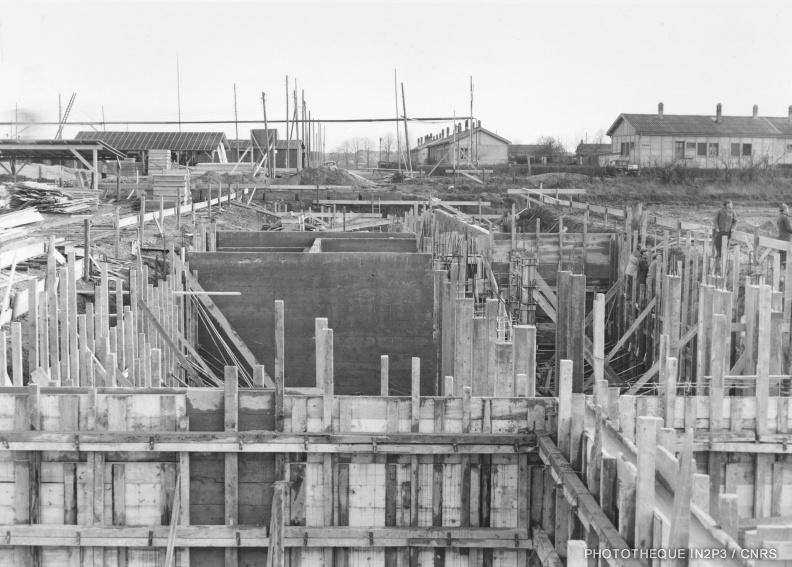 Chantier de construction du CRN en 1958
