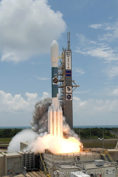 An2000-2008-Delta II Heavy just before liftoff with GLAST p1