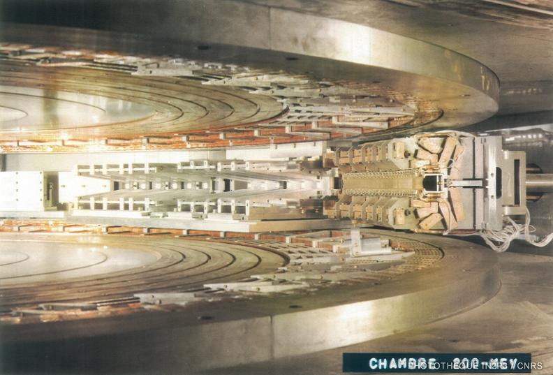 1957-synchrocylo200MeV