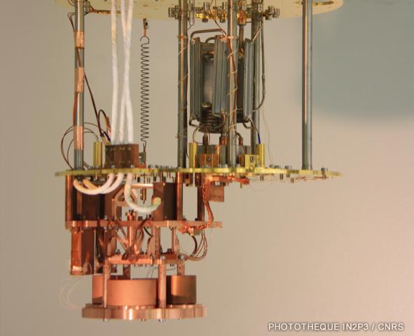 Intérieur du cryostat de R&Ddel'IP2I,financé par leLabExLIO, pour letest des détecteurs